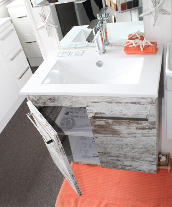 Vanity Unit 600 x 395