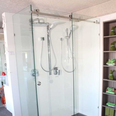 opto frameless shower screen