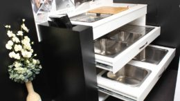 kitchen sinks in showroom