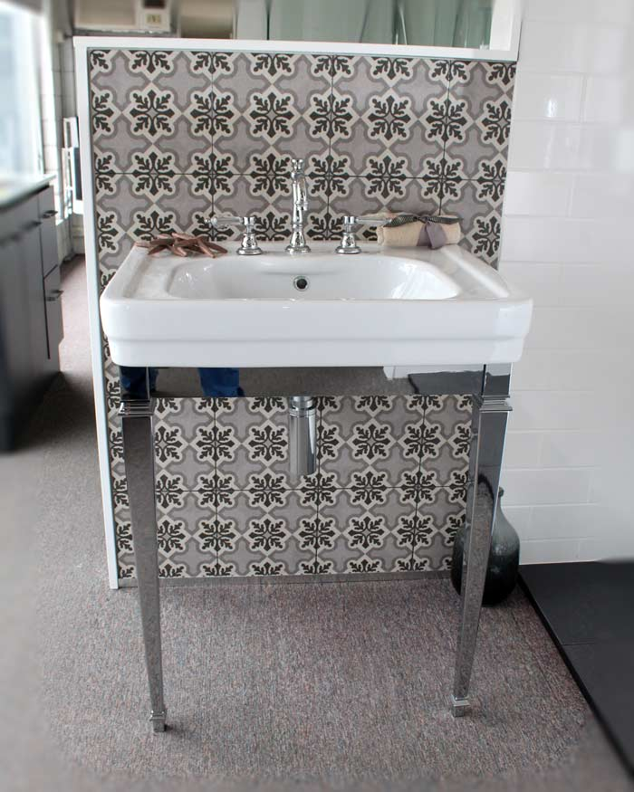 Brodware Classique Console With Chrome Stand 690mm