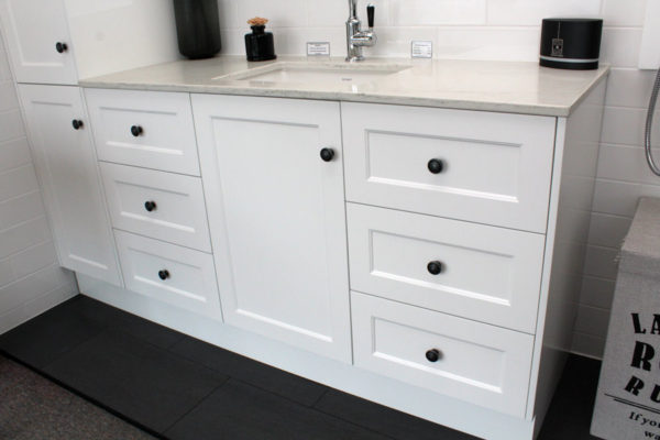 custom-vanity-unit-with-duravit-stark3-undercounter-basin