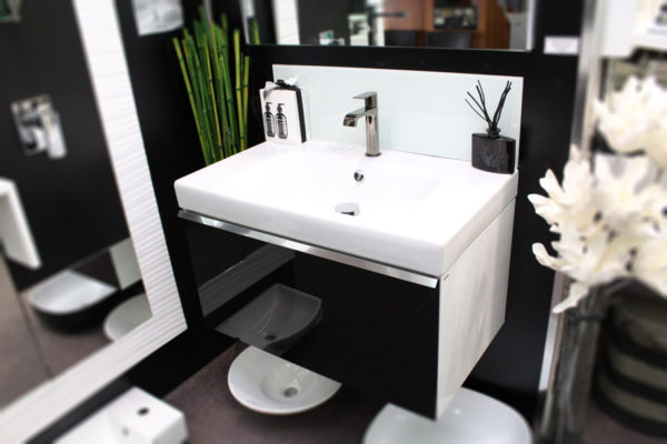 flex-wall-hung-vanity-with-tempered-glass