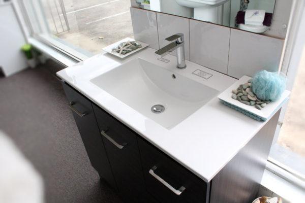 genoa-vanity-unit-900-with-laminate-cabinet