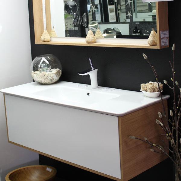 timberline-santos-vanity-with-oak-textured-laminate
