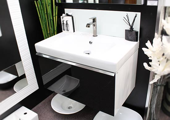 modern-style-wall-hung-vanity-unit-with-white-top