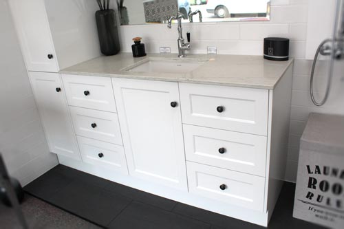 vanity-with-floor-mounted-cabinet