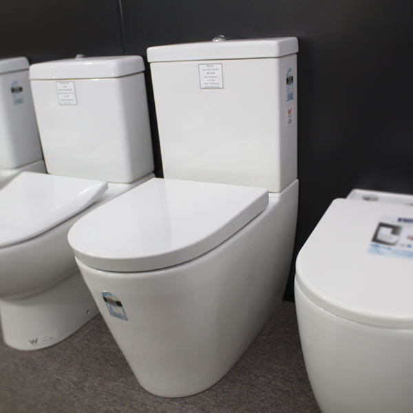 Jika Lava Back to Wall Toilet Suit